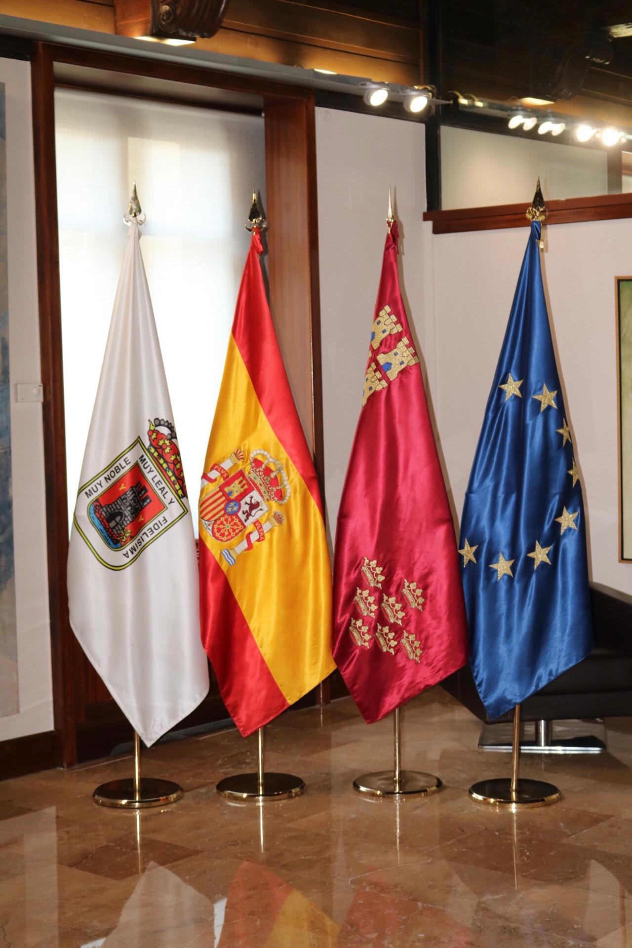El alcalde de Yecla se entrevista con el presidente de la Comunidad Autónoma de Murcia